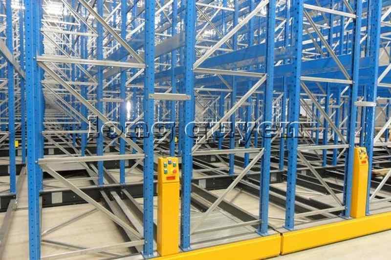 Giá Kệ Để Pallet Di Động - Mobile Base Pallet Rack2020