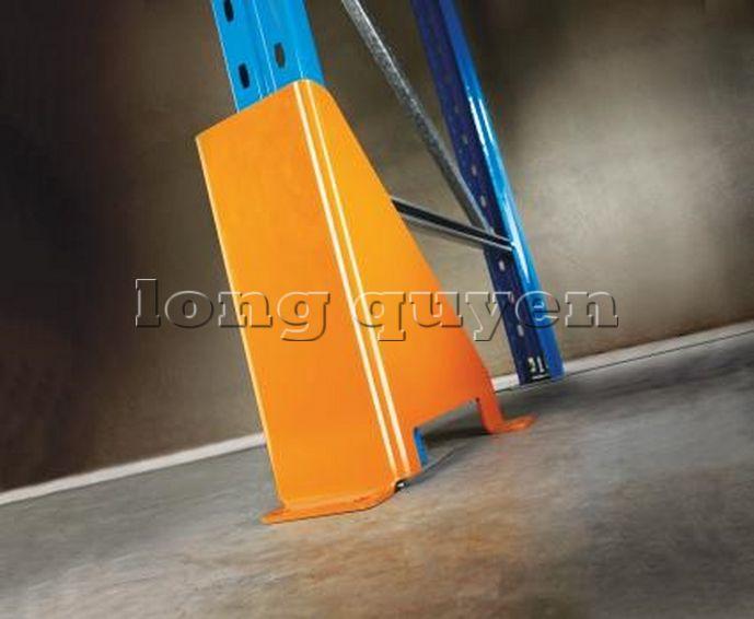 Ốp chân cột giá kệ để pallet (4)