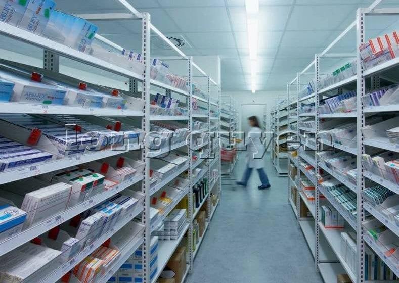"""—> *HỎI BÁO GIÁ KỆ CƠ BẢN* —> *HỎI BÁO GIÁ KỆ PALLET CHI TIẾT* HÃY LIÊN HỆ VỚI CHÚNG TÔI Công ty Long Quyền là nhà sản xuất hàng đầu về giá kệ công nghiệp với trên 22 năm kinh nghiệm sản xuất và lắp đặt hàng nghìn kho hàng theo hệ thống quản lý chất lượng ISO9001-2018. GIÁ KỆ LONG QUYỀN: """"Thông minh hơn & An toàn hơn, Lắp nhanh hơn & Giá rẻ hơn"""" LONG QUYEN RACKING: """"SMARTER & SAFER and QUICKER & CHEAPER"""" Văn phòng: 79 Đào Tấn, phường Ngọc Khánh, quận Ba Đình, Hà Nội, Việt Nam. Nhà xưởng: xã Tây Mỗ, quận Nam Từ Liêm, Hà Nội, Việt Nam Sản Xuất: giá kệ pallet, giá kệ kho hàng, kệ trung tải, kệ hạng trung, kệ di động, kệ công nghiệp, sàn tầng lửng, pallet xếp chồng, pallet rack, Website: https://longquyen.info Email: contact@longquyen.info contact@longquyen.com Phone: 0903422179 (Mr. Đạt) 0903412296 (Mr. Hiển) 0903434374 (Mr. Cẩm)"""