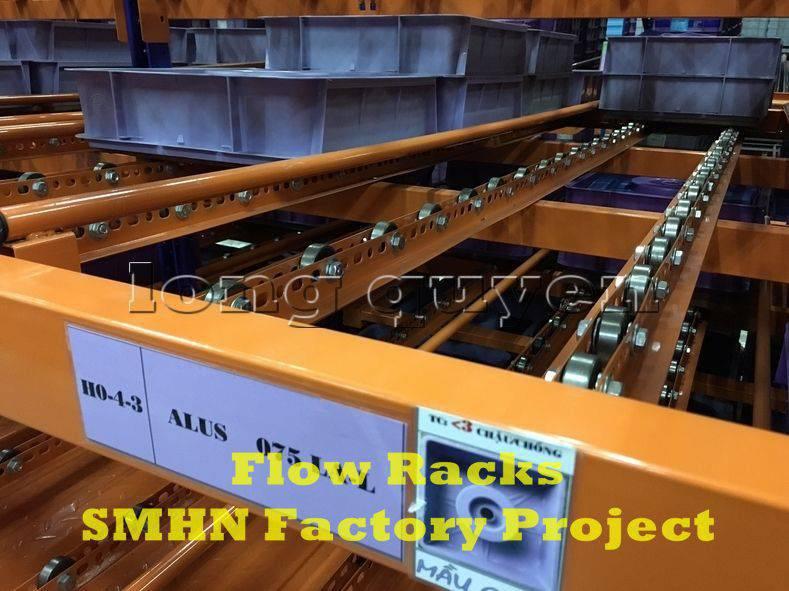 Giá kệ trôi kệ dòng chảy để vật tư trong xưởng lắp ráp nhà máy SMHN (8)