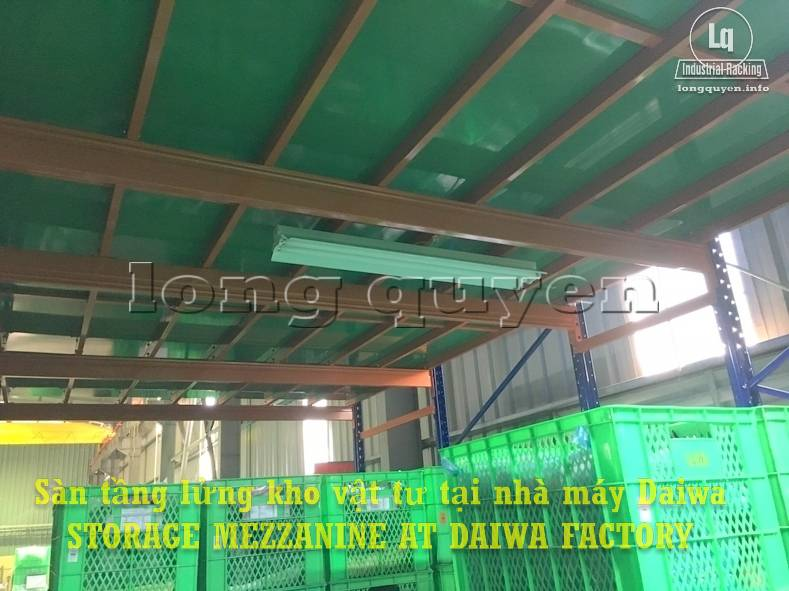 Sàn tàng lửng kho vật tư khung giá kệ pallet lắp ráp tại nhà máy DAIWA (8)