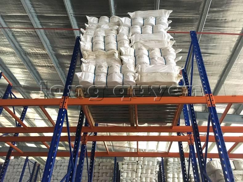 Giá kệ sắt để hàng kệ lắp ráp tại công ty Yulun11