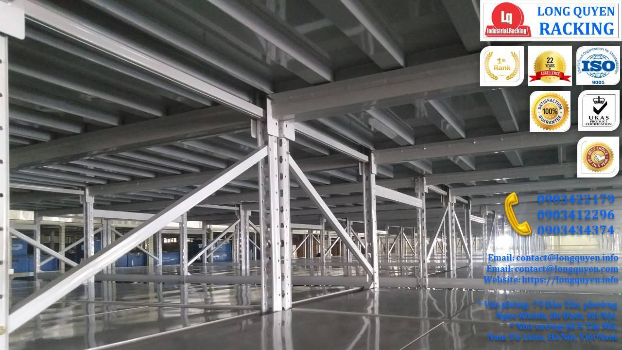 Sàn tầng lửng trên nóc hệ thống kệ trung tải công ty Sunhouse (3)