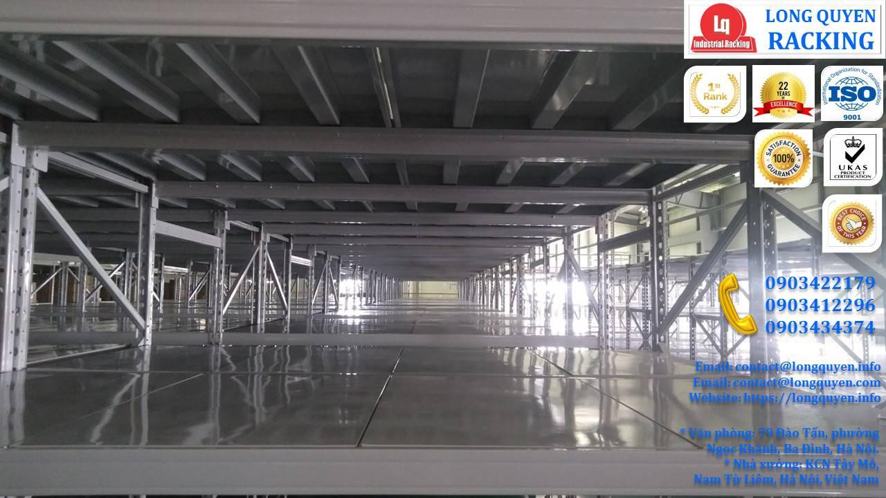 Sàn tầng lửng trên nóc hệ thống kệ trung tải công ty Sunhouse (7)